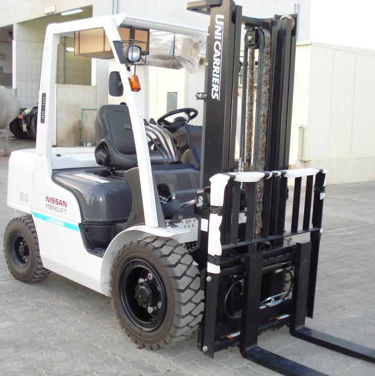 Nissan Forklift 3 Ton Diesel Unicarrier New Export Sale