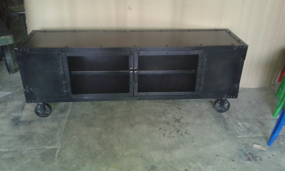 Attractive Industrial Style Furniture Black Metal TV Stand, Recycle Black Metal Tv Unit  With Wheels