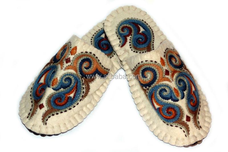 c147299c69047 Felt Slipper. Wool Handmade Diy Slipper / Felt Soft Clogs / House Soft  Shoes / Guest Shoes / Wool Slipper - Buy Homemade Slipper Home Guest Shoes  ...