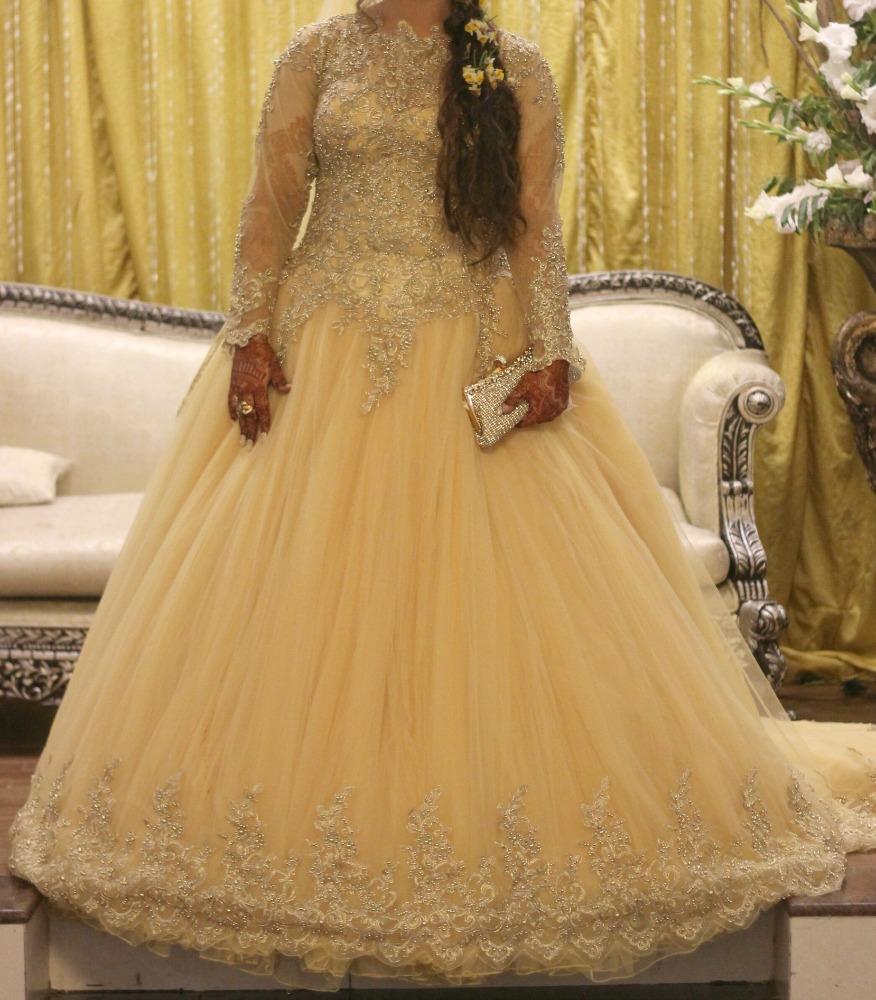 Beautiful Bridal Ball Gown,Long Tail & Veil - Buy Long Sleeve ...