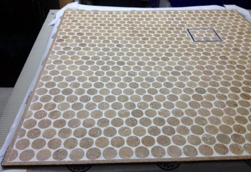 Doccia lavabo sughero mattonelle di mosaico, passeggiata  in ...