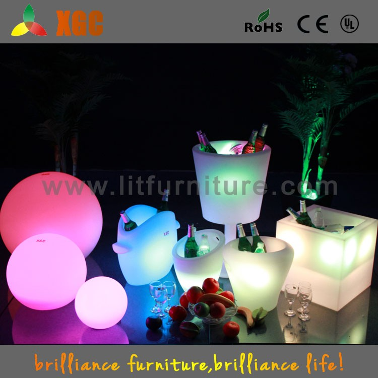 Plastic white colored LED ice bucket GH201