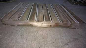 Solid Wood Pallet Made From Square Edge Smooth 4 Side ...