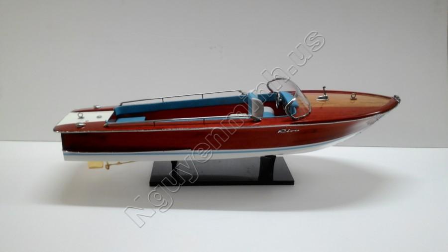 riva junior 87cm woodel modellschiffe zu verkaufen. Black Bedroom Furniture Sets. Home Design Ideas