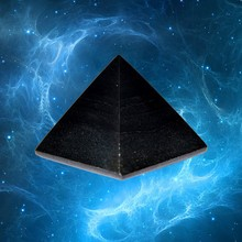 SHUNGITE Pyramid For Appearance and health Promotion Desktop Items #P30