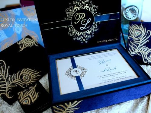 Velvet Wedding Invitations: Velvet Wedding Invitation Box With Gold Embroidery