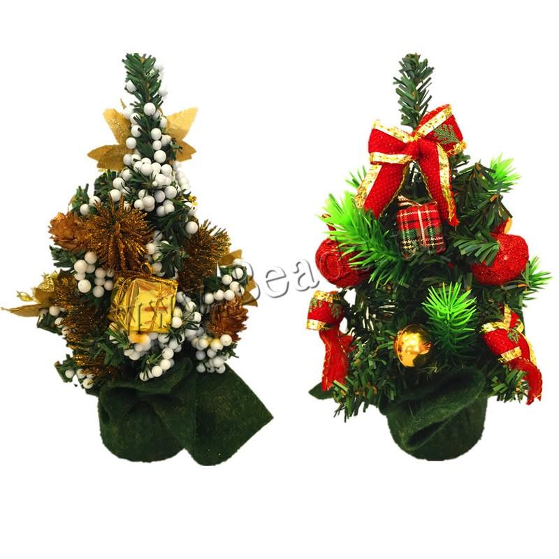 con tejido de lana y trapillo arbol de navidad de plstico