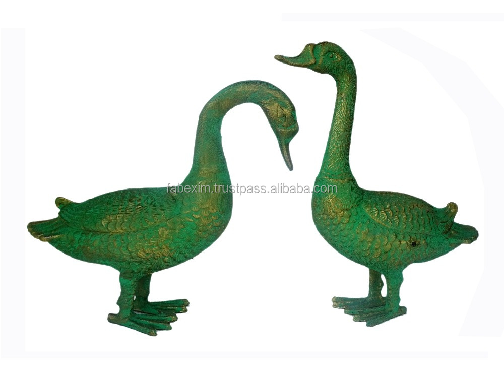 Metal Garden Ornament , Ducks Figurine Garden Ornament
