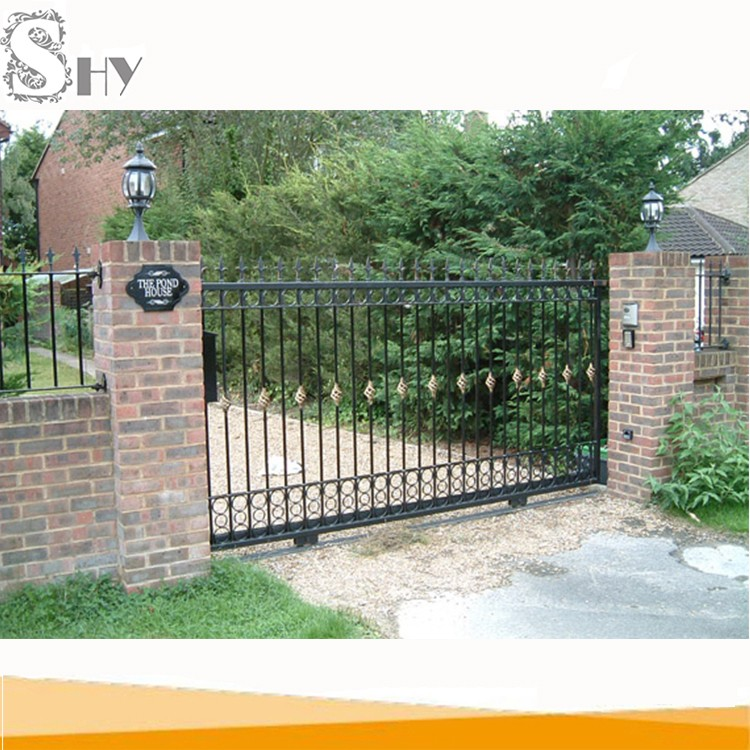 Security Park Apartments: Simple Sliding Entrance Wrought Iron Main Gate Design For