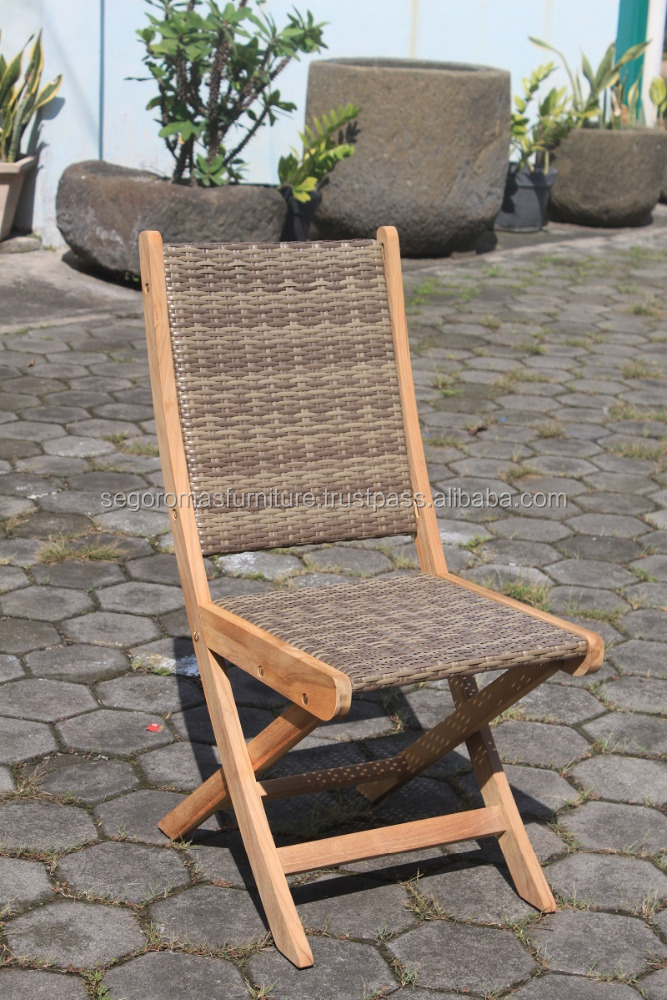 Praha Folding Chair - High quality teak wood combined with synthetic rattan