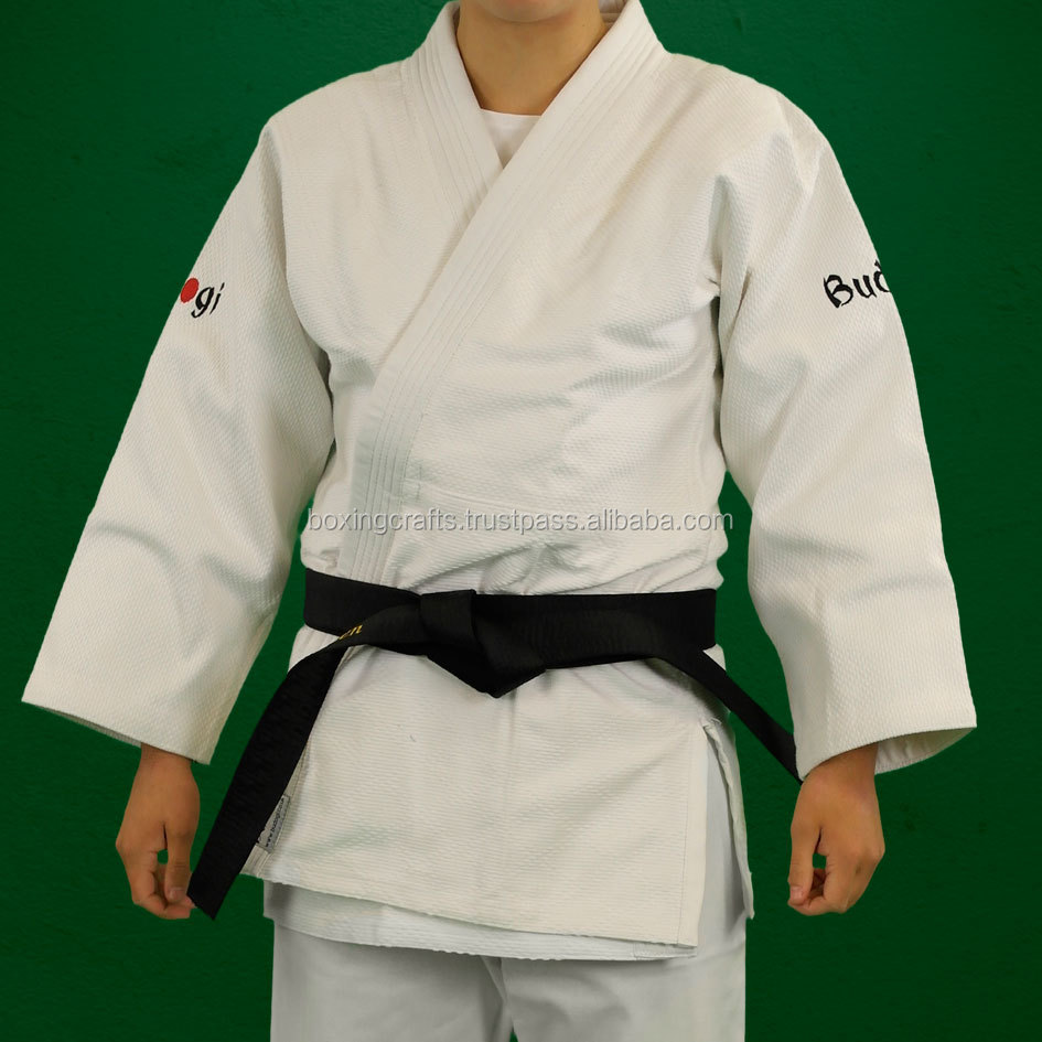 Randori 550 is a great medium weight judo gi. Made from 550 gsm 100% pre-shunk single-weave cotton