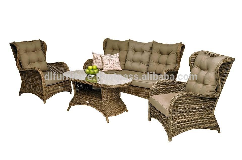 Sedie in rattan e tavolo in alluminio gruppo sedie for Sedie tavolo esterno