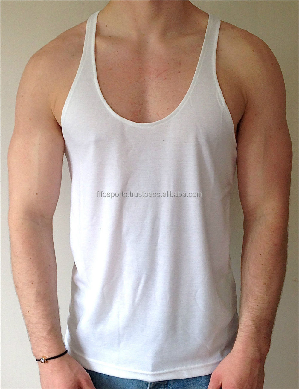 How to cut a men s workout shirt for Cut shirts for men