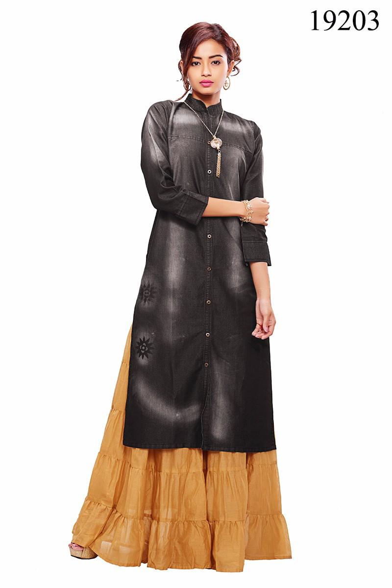 Kurti design 2017 - Ladies Stylish Long Kurti 2017 Pakistani Kurti Designs