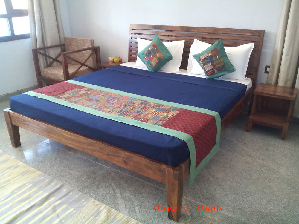 Peachy Buy Online Solid Wood Hotel Bedroom Furniture India Buy Buy Online Solid Wood Hotel Bedroom Furniture Sheesham Wood Bedroom Furniture Modern Hotel Home Interior And Landscaping Ologienasavecom