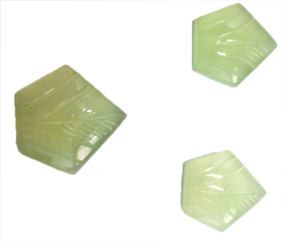 Lite Green Onyx Pentagon Shape Leaf Carving Loose Gem Stone