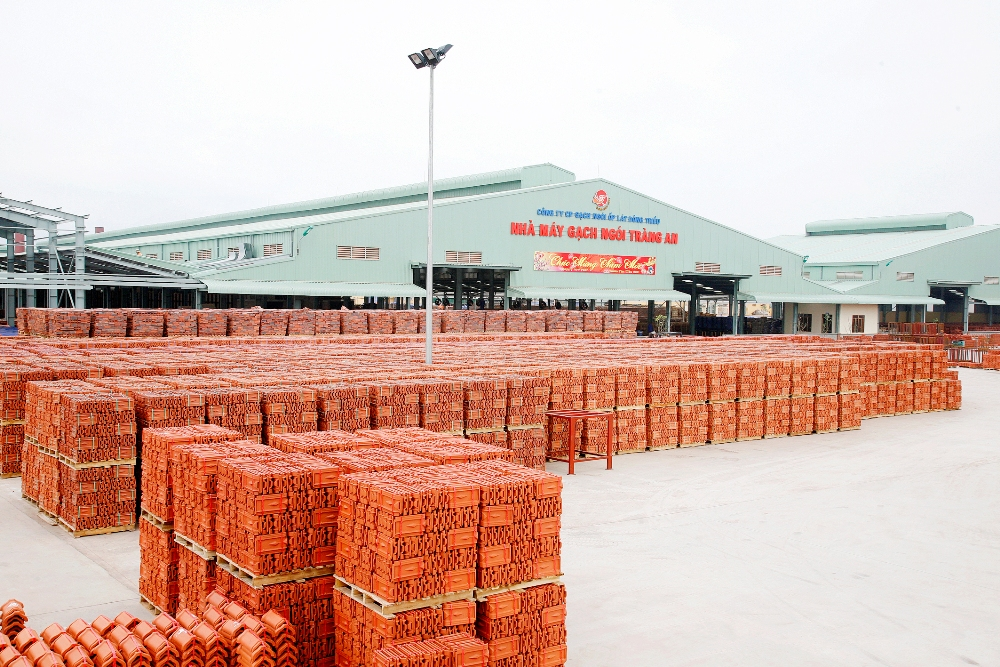 The natural clay glazed roofing tile | Brand GOM DAT VIET