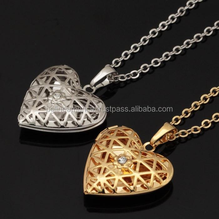 Simple design heart shaped photo frame pendant heart locket necklace simple design heart shaped photo frame pendant heart locket necklace aloadofball Choice Image