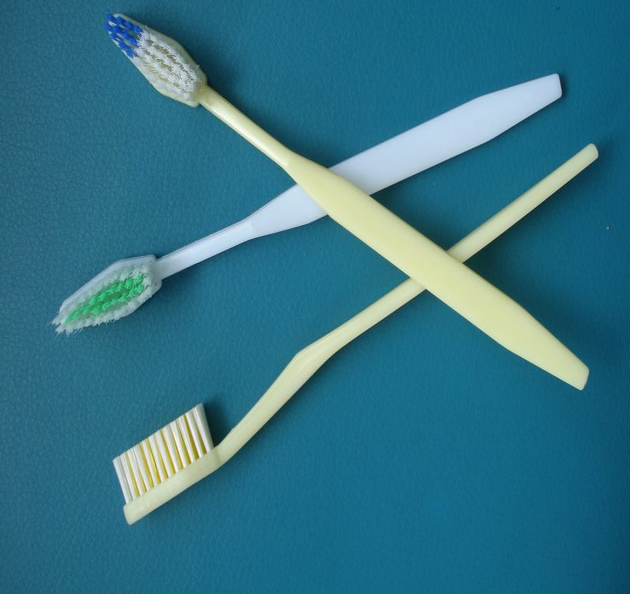 2018 hot sale Toothbrush with extra hard nylon bristles