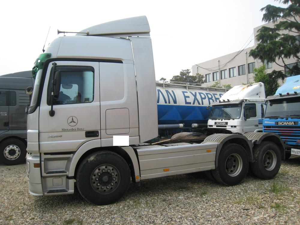 Mercedes benz actros tractor buy mercedes benz actros for Mercedes benz tractors