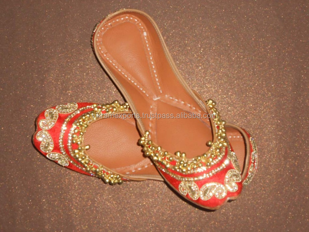 Fancy Jutti - embroidery Shoe sleeper juti - Punjabi Juti - Indian Beaded Shoes