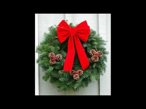 Artificial Christmas Wreaths and Garlands