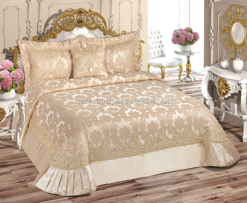 couvre lit avec Lara Couvre lit Ensemble (avec Perles) 4 Pcs café Léger   Buy  couvre lit avec