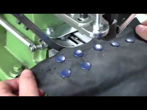 Snap Fastener Plastic Button Automatic Attaching Machine
