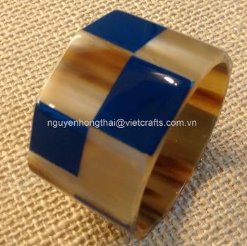 de594f79ee2 Borde cuadrado brazalete de cuerno marino con laca de color, tamaño 4 cm  ancho