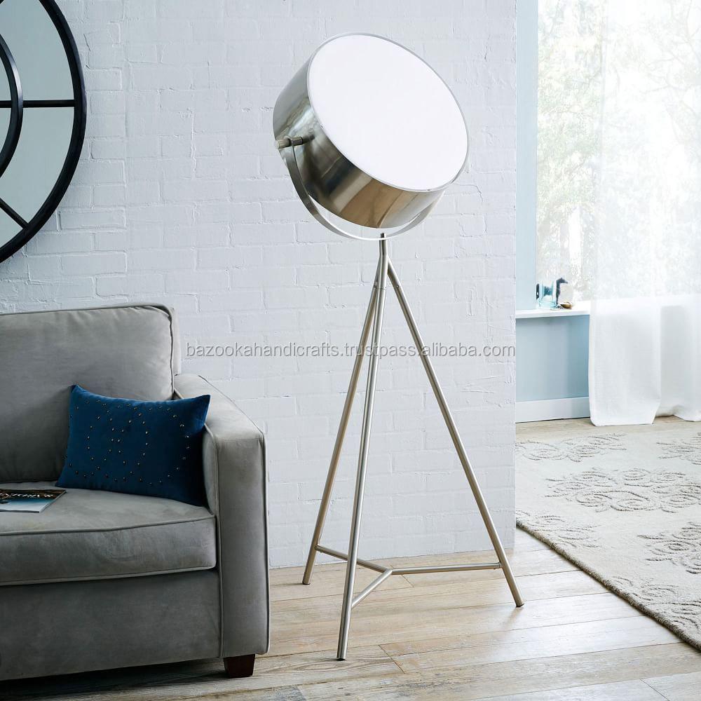 https://sc01.alicdn.com/kf/UT8bxZxXqhbXXagOFbX8/Studio-Lamp-Vintage-Tripod-studio-lamp.jpg