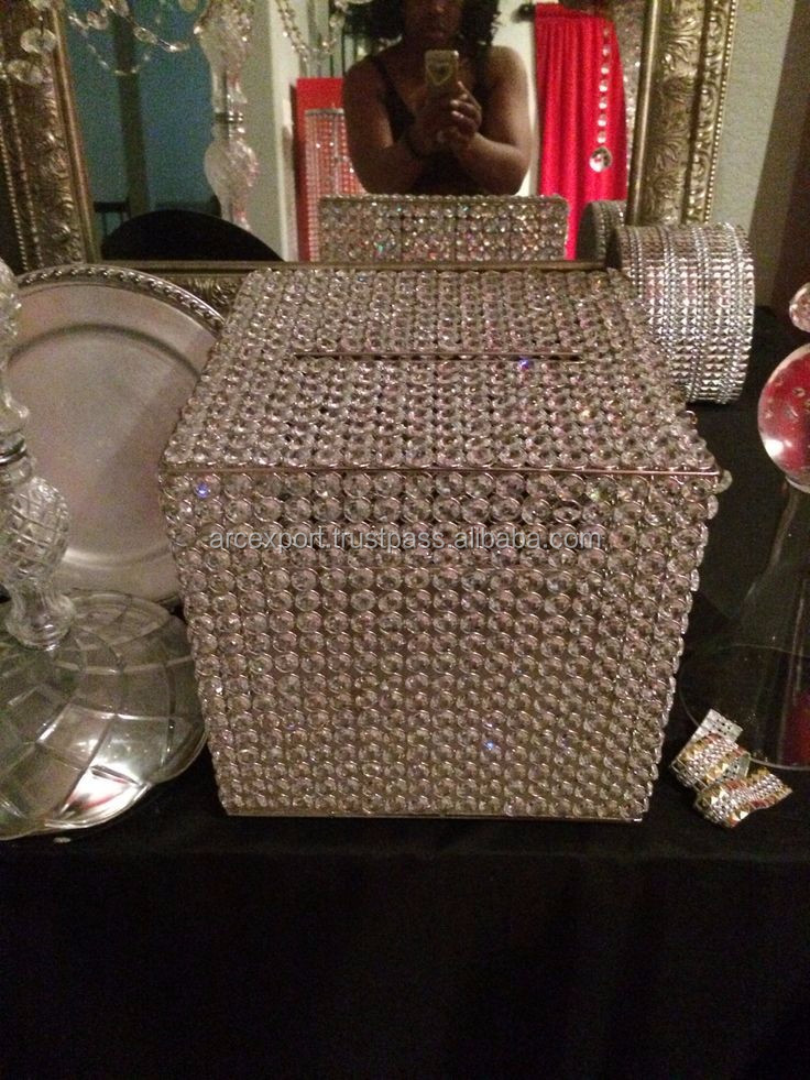 round mini crystal wedding box