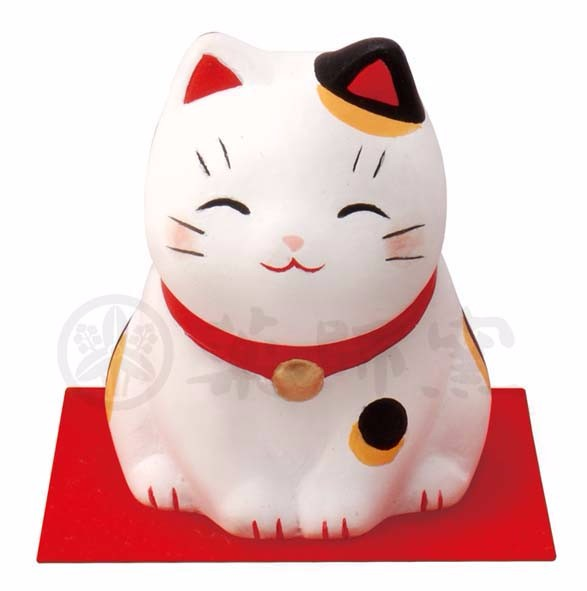 "Cute and various type of decorative gift - popular Japanese ""Manekineko"""