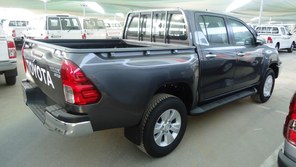 2017 toyota hilux diesel double cabin automatic transmission buy toyota hilux 4x4 toyota. Black Bedroom Furniture Sets. Home Design Ideas