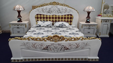 luxury double bed set for bedroom furniture 2016 wood carving silverleaf in gold, pennshell pattern, background in white matt