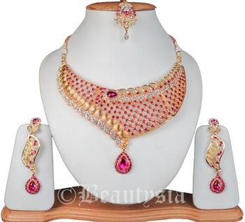 Trendy Fashion Jewelry Necklace Set