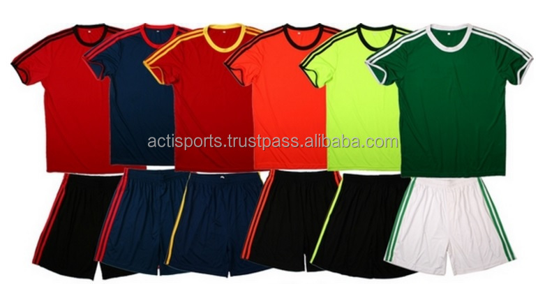 2017 New Custom Design Soccer Kit, Customized Color Combination