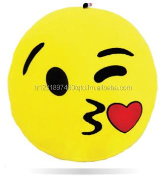 Cuscini Emoticon.Baciare Emoji Sorriso Cuscino Buy Emoji Smiley Cuscini