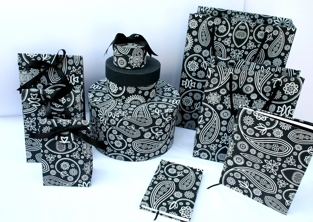 Black Paisley Design Paper Gift Boxes Buy Gift Boxes Wholesale Gift Paper Box Handmade Paper Wholesale India Product On Alibaba Com