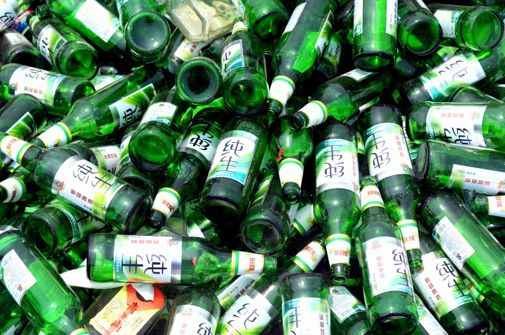 Used Glass bottle for recycling