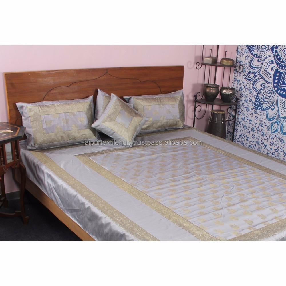 India Buatan Tangan Sutra Bordir Seprai Bed Cover Bedding Set Buy Model Bedcover Charmeuse Adalah Kain Mewah Terbuat Dari Dengan Satin Finish Memiliki Mengambang Penampilan Yang Tirai Sangat Baik Terutama Untuk Pakaian