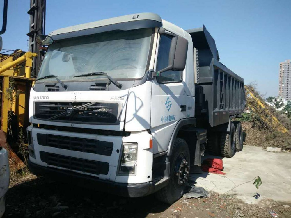 Used volvo dump truck in good condition for sale