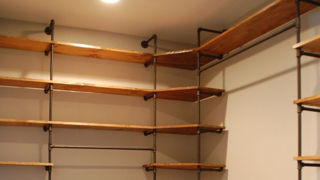 Diy Metal Pipe Closet With 1 2 Quot 1 Quot Metal Pipe Elbow Tee