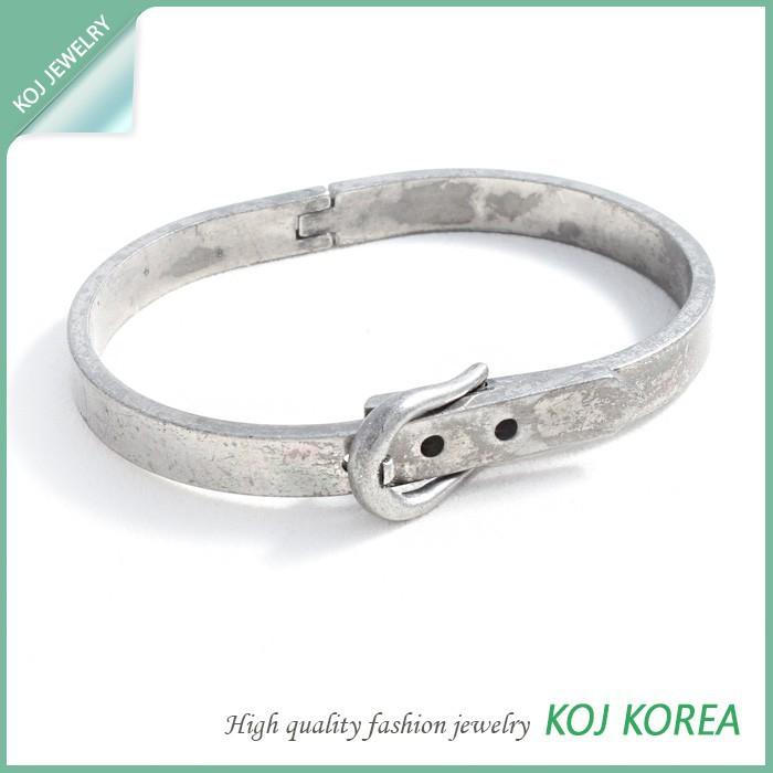 Kr-557 Belt Shaped Fashion Bangle Bracelet