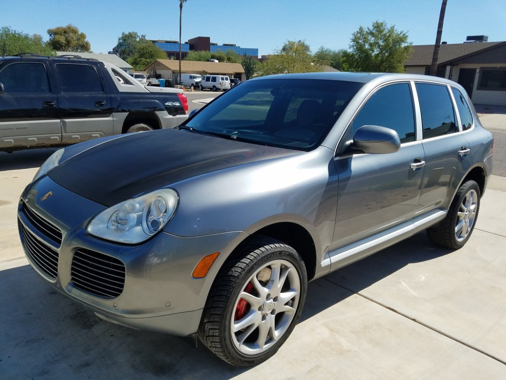 Used LHD Porsche Cayenne Turbo S 2006