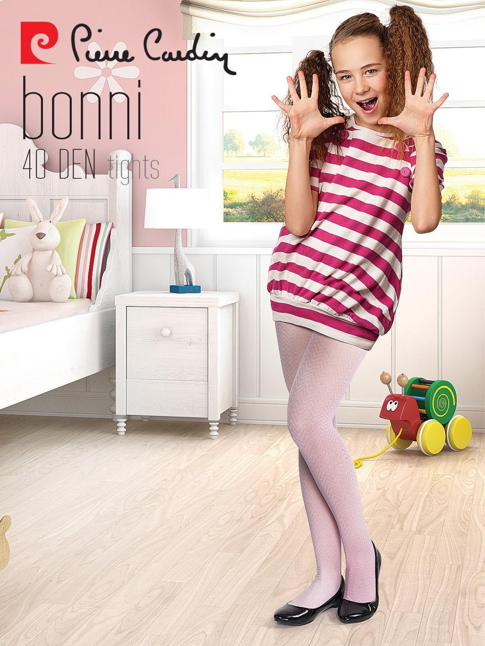 under Pantyhose color over models 18