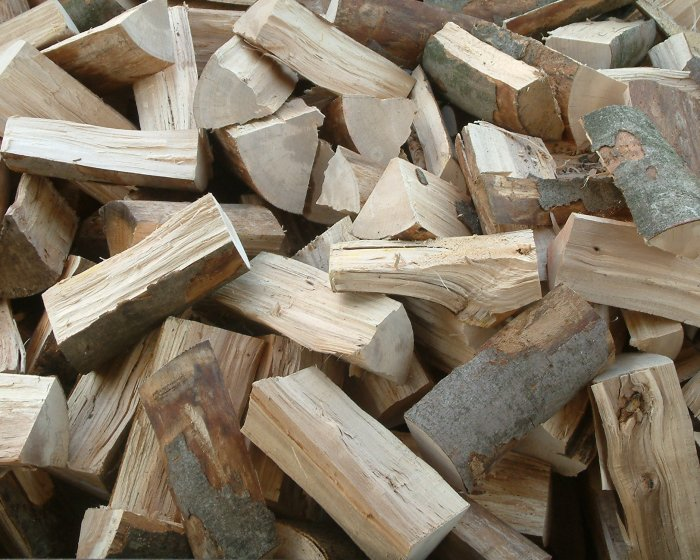 Best quality Fresh Cut/KD/AD Spruce Firewoods From Ukraine