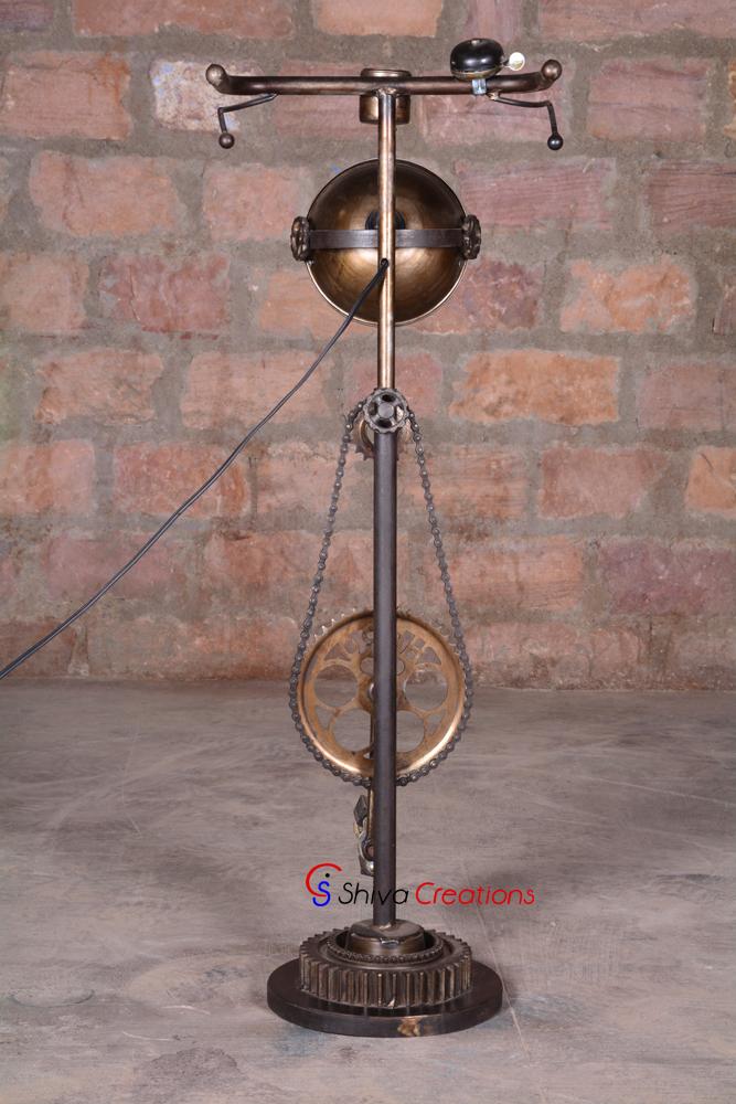 Shop Floor Lampen En Andere Industriële, Retro En Vintage Lampen En  Verlichting Van Onze Beste Meubels Winkel.
