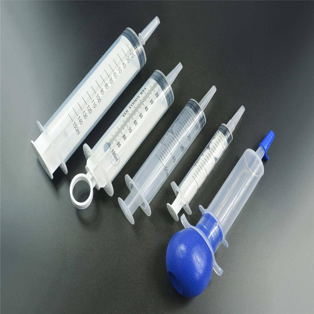 Colored Irrigation syringe with sealing performance