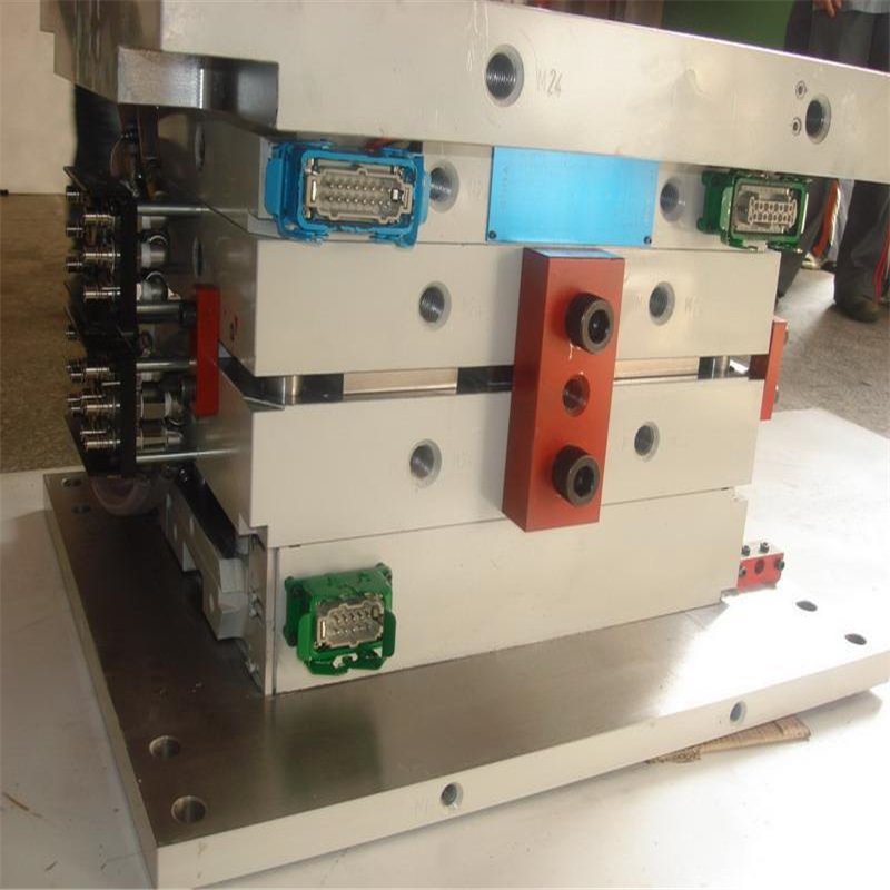 China injection molding machine factory tooling plastic moulding and molding plastic parts