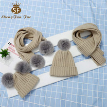 2018 hot selling fashion lange sjaal <span class=keywords><strong>beanie</strong></span> cap 4 stuks set bont pompom gebreide hoeden caps voor <span class=keywords><strong>baby</strong></span>